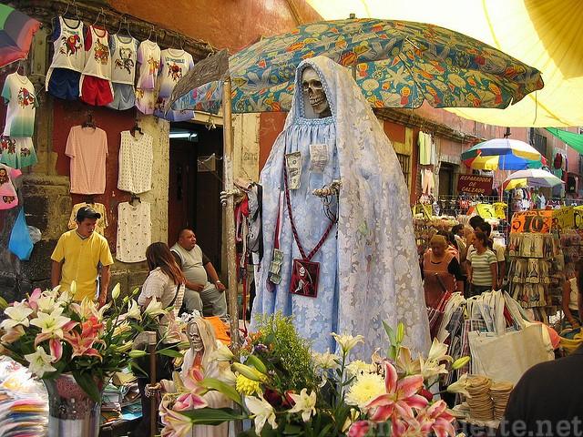 Santa Muerte altares