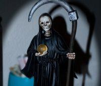 Poderosa plegaria a la Santa Muerte para asuntos imposibles